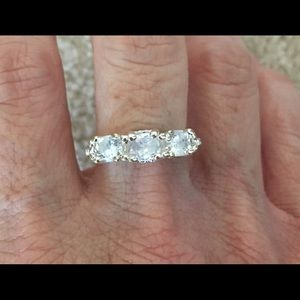 New CZ Sterling Silver Wedding Ring Size 7